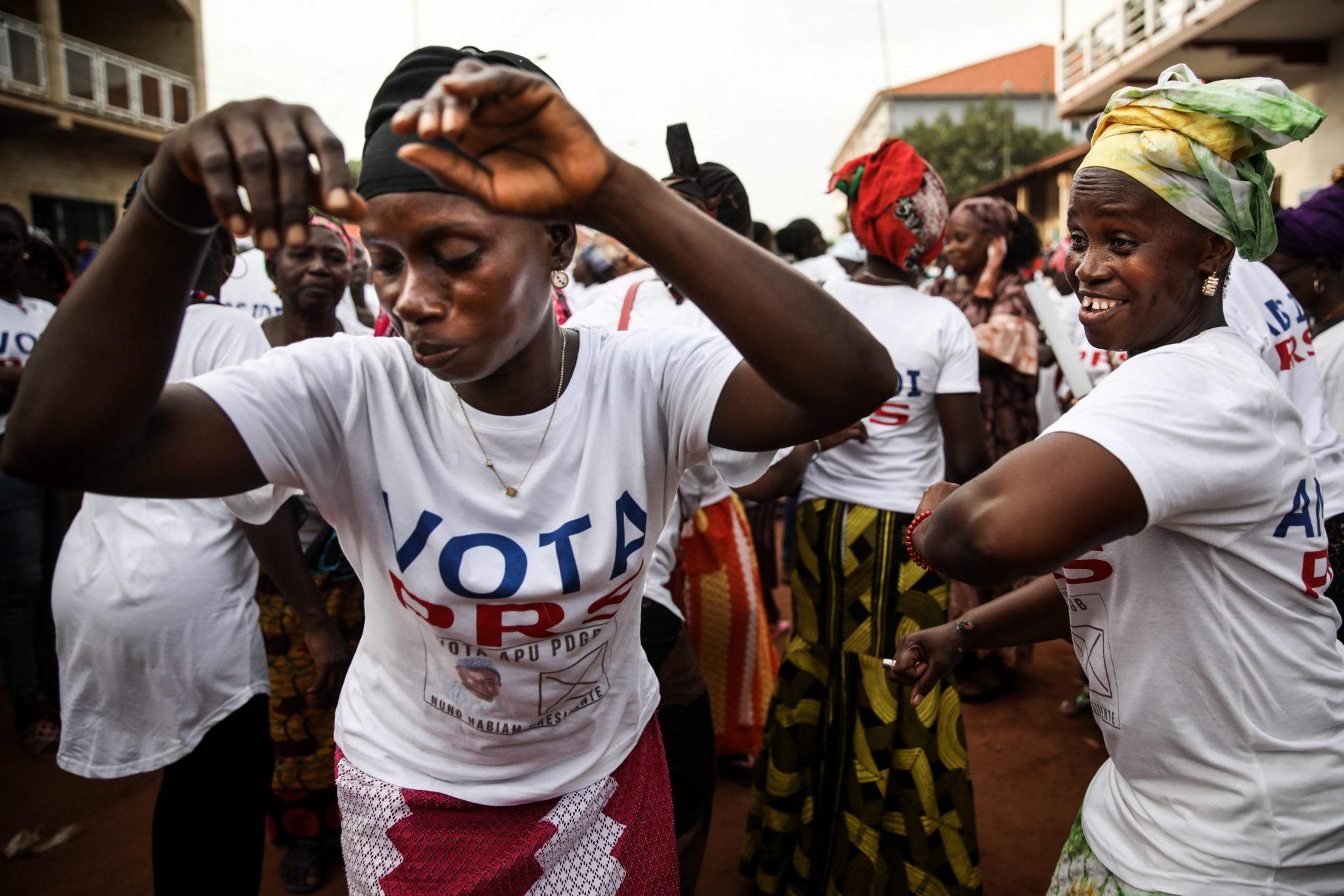 Gwinea Bissau: wiec poparcia dla jednego z kandydatów w wyborach prezydenckich, fot. EPA/ANDRE KOSTERS
