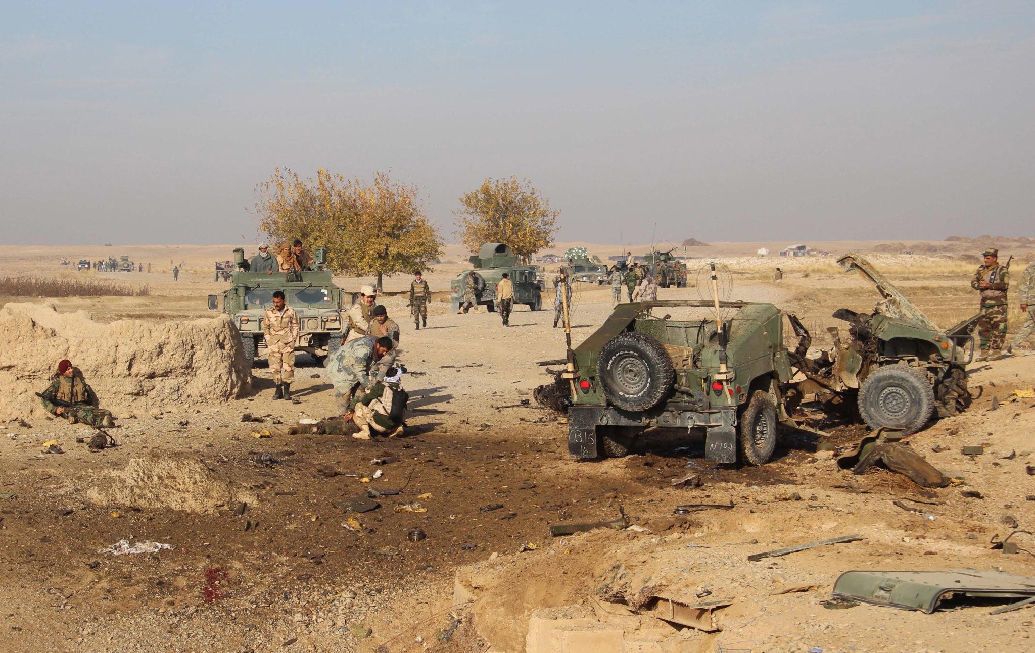 wYBUCH BOMBY W aFganistanie rozerwał pojazd pancerny. fot. EPA/WATAN YAR