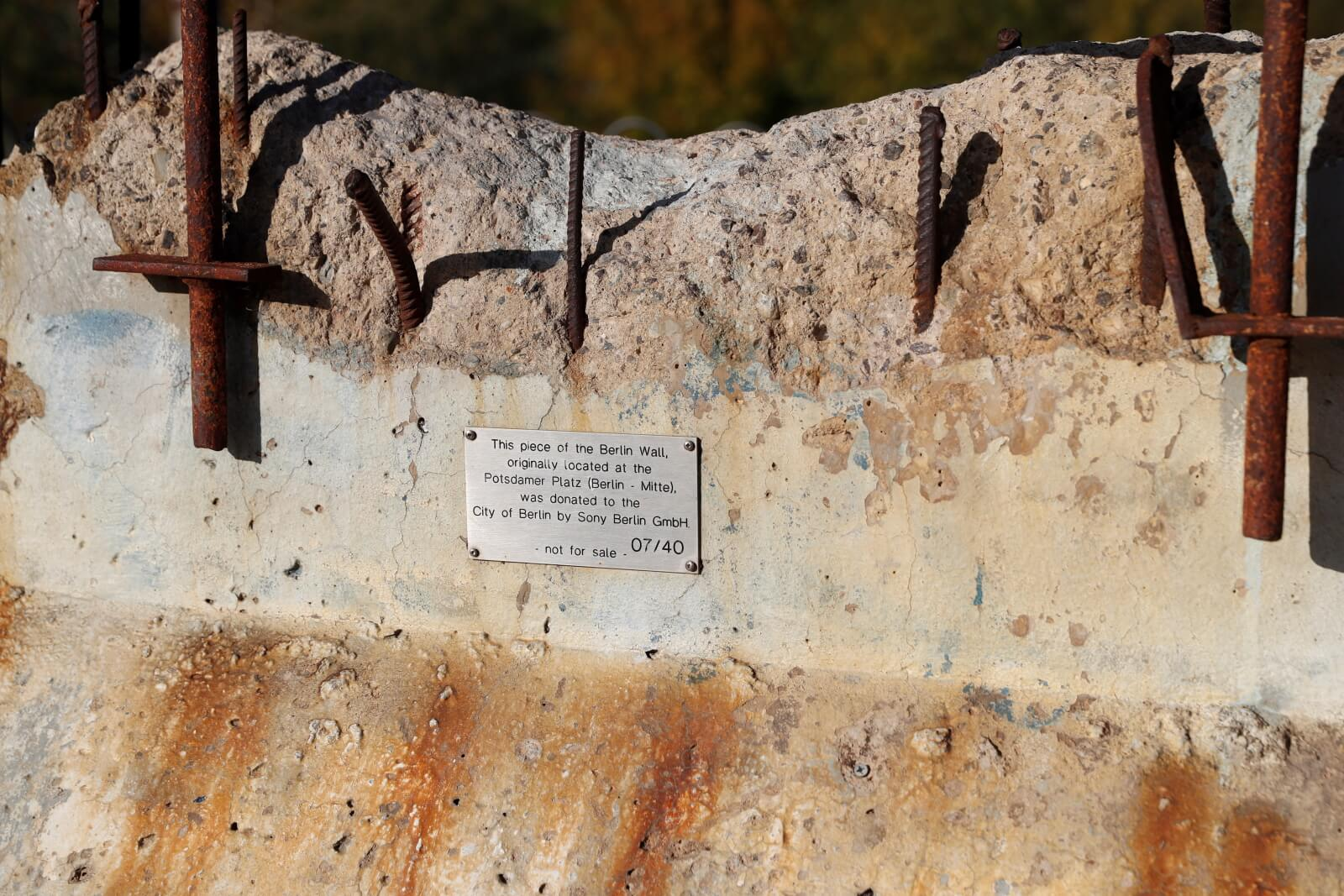 Rocznica upadku Muru Berlińskiego fot. EPA/J.J.