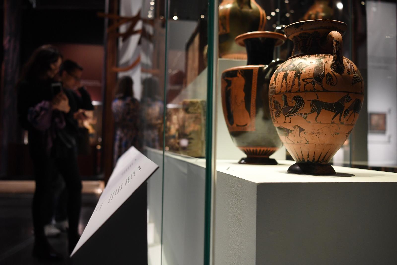 Wystawa ceramiki fot.  EPA/ANDY RAIN