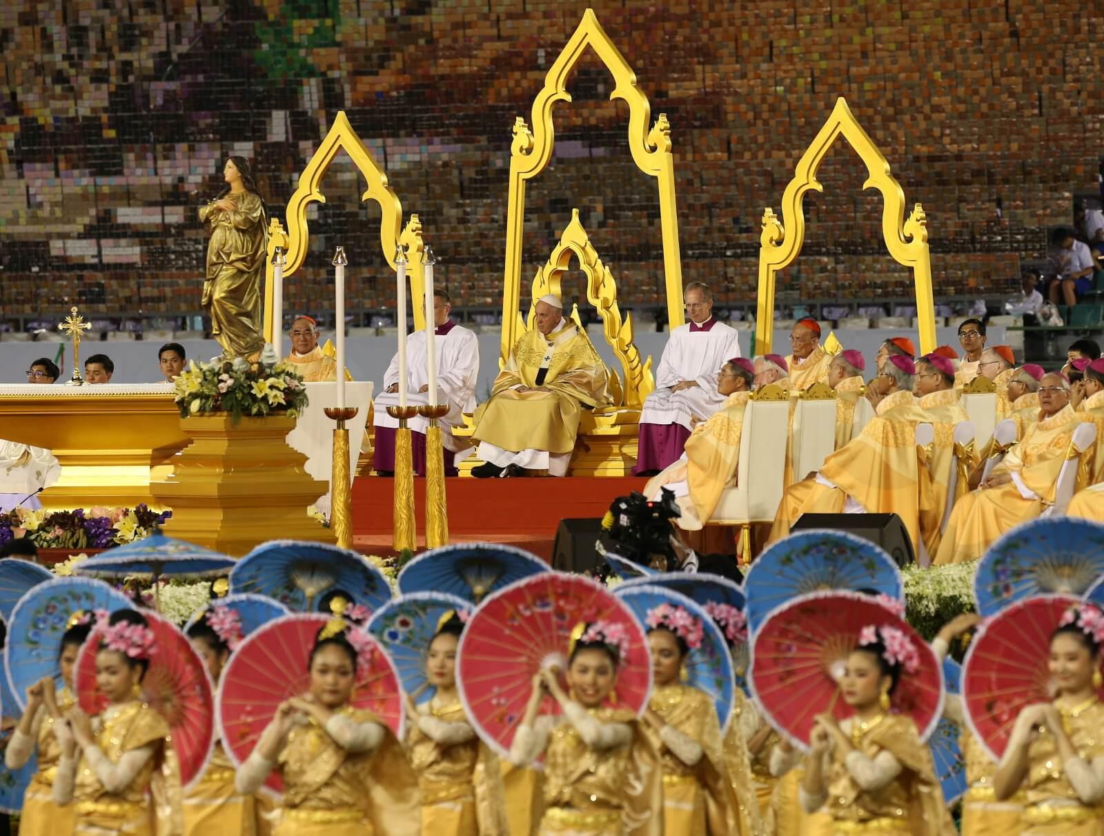 Papież Franciszek w Tajladnii fot. EPA/NARONG SANGNAK