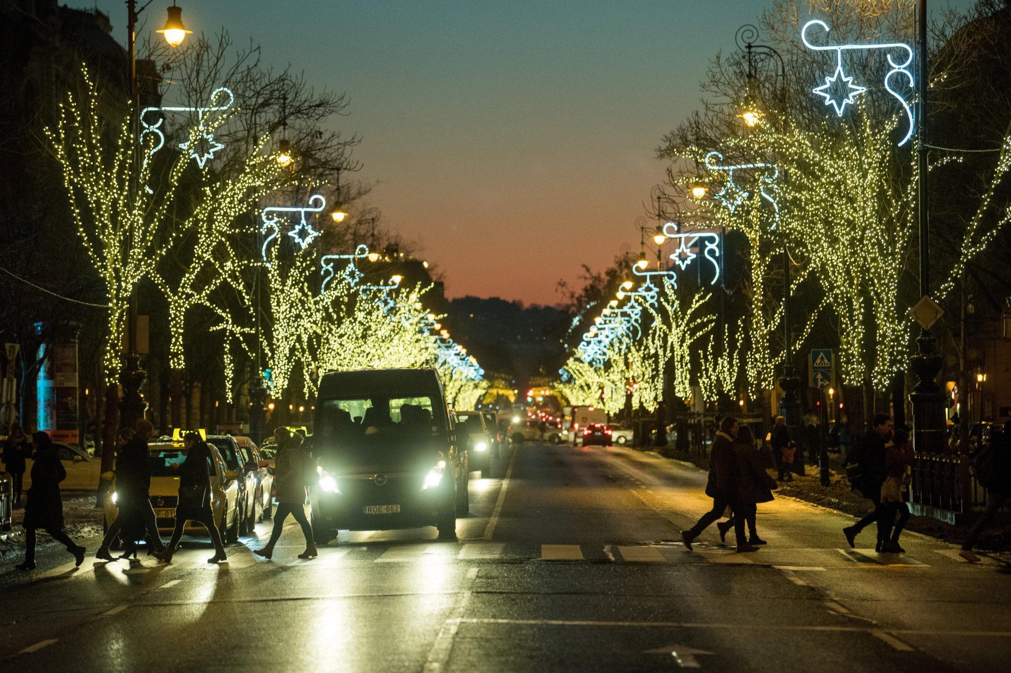 Węgry: świąteczne dekoracje w centrum Budapesztu, fot. EPA/Zoltan Balogh