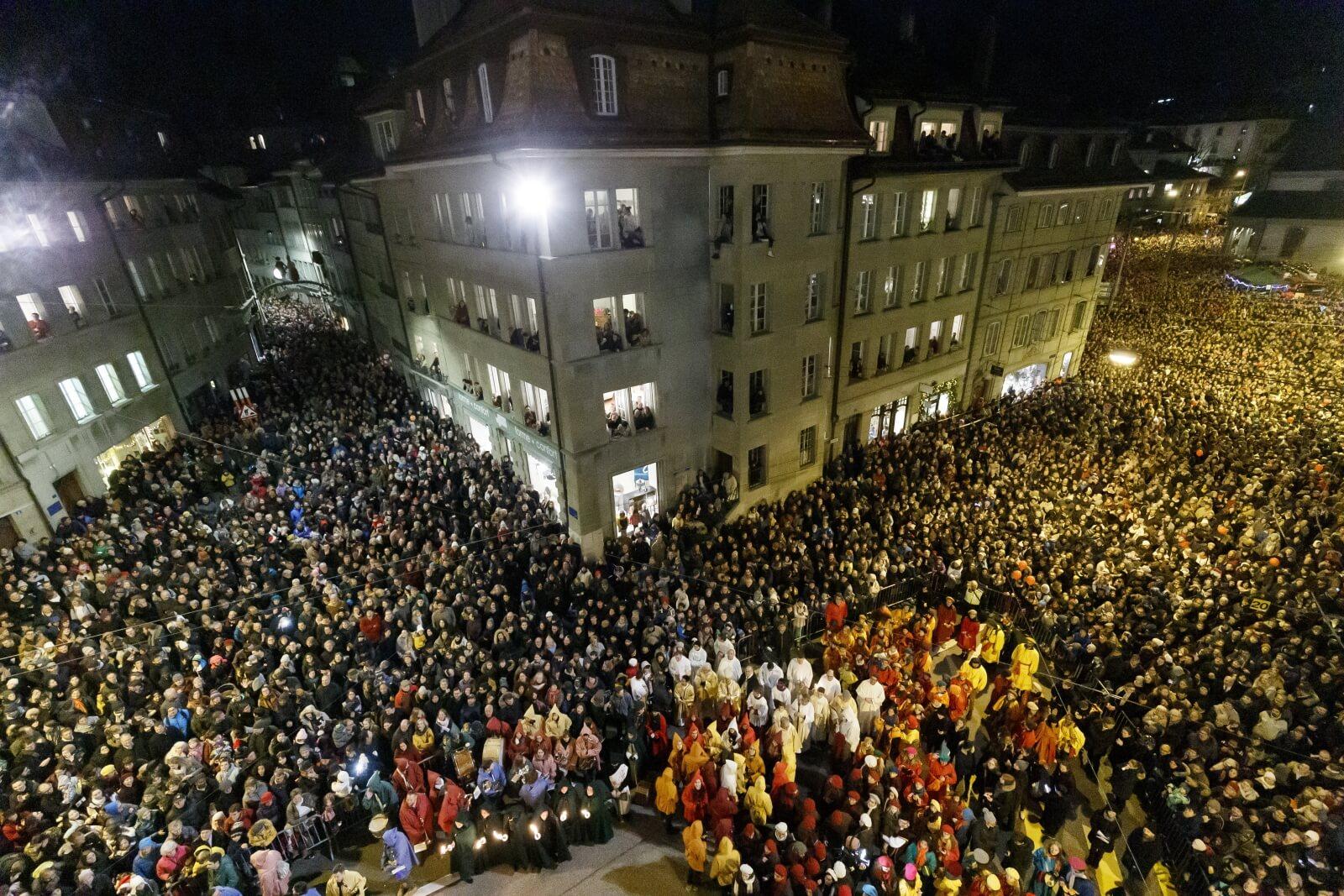 Procesja św. Mikołaja w Szwajcarii fot. EPA/CYRIL ZINGARO