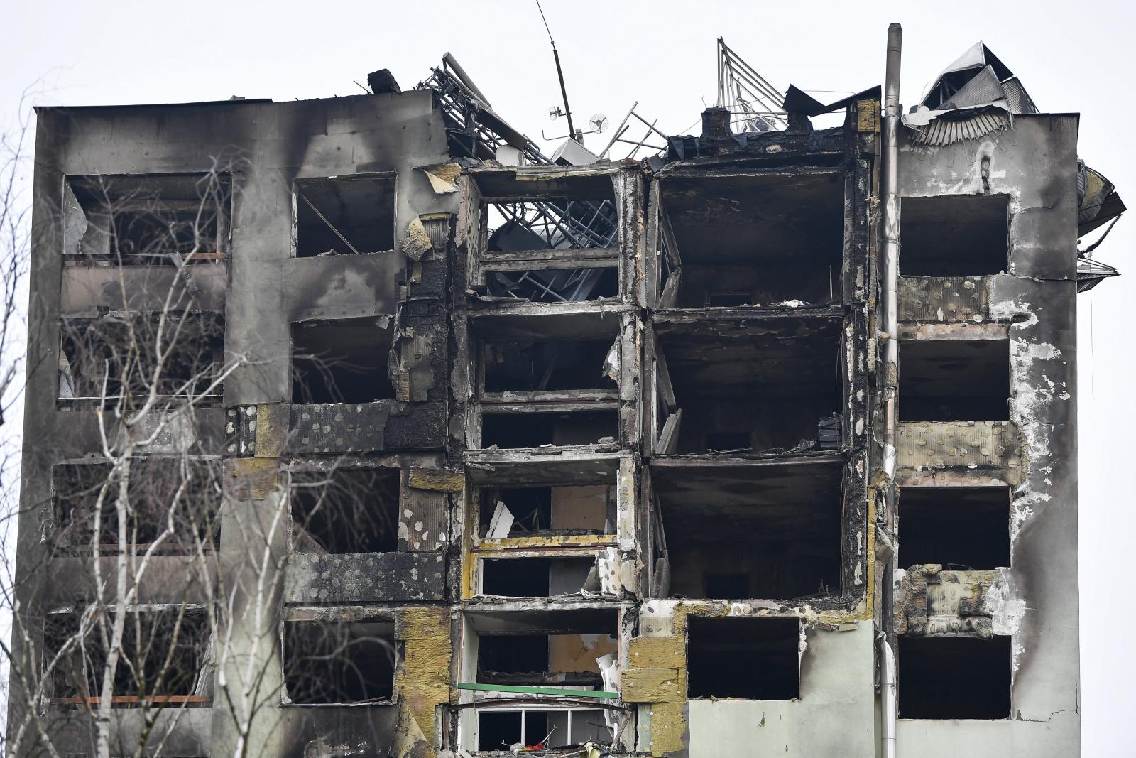 Słowacja - wieżowiec zniszczony po wybuchu gazu EPA/ZSOLT CZEGLEDI