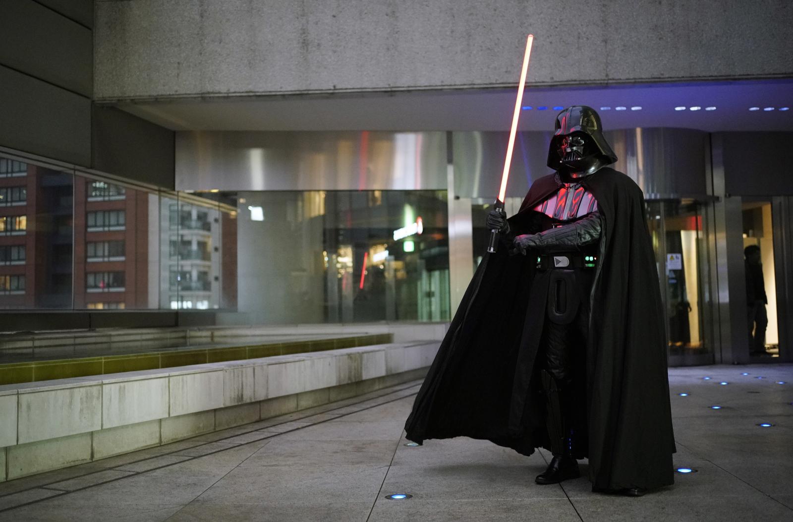 Japonia - przedstawienie Star Wars w teatrze EPA/FRANCK ROBICHON