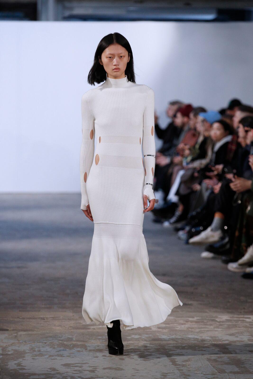 Fashion week w Paryżu fot.  EPA/YOAN VALAT
