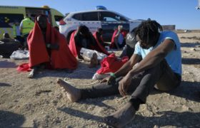 Migranci uratowani na Gran Canarii fot. EPA/ANGEL MEDINA G.