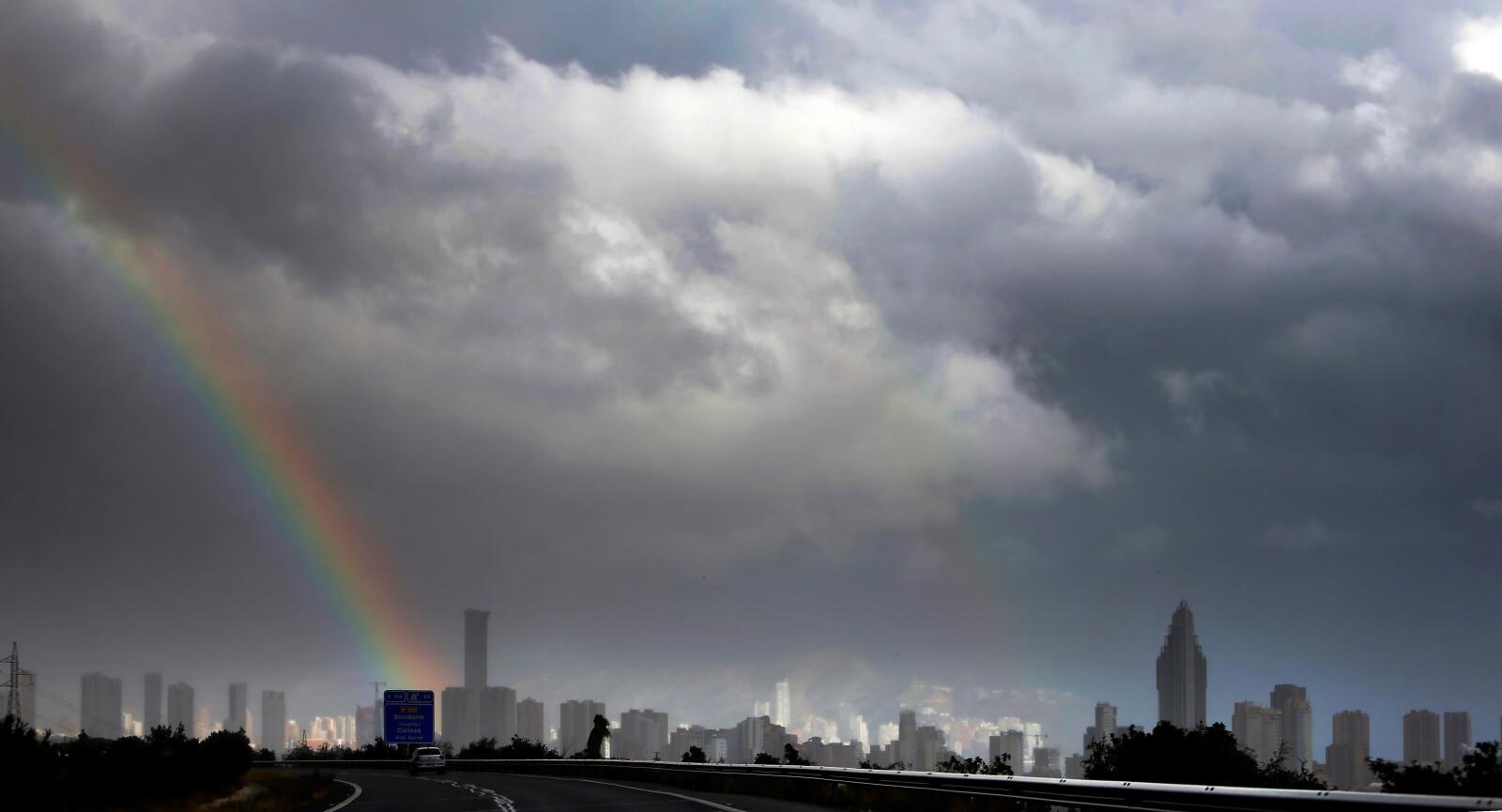 Pogoda w Hiszpanii fot. EPA/Manuel Lorenzo