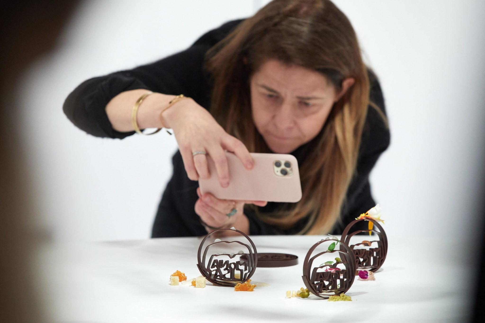 Targi czekolady w Brukseli. Fot. EPA/DAVID BORRAT
