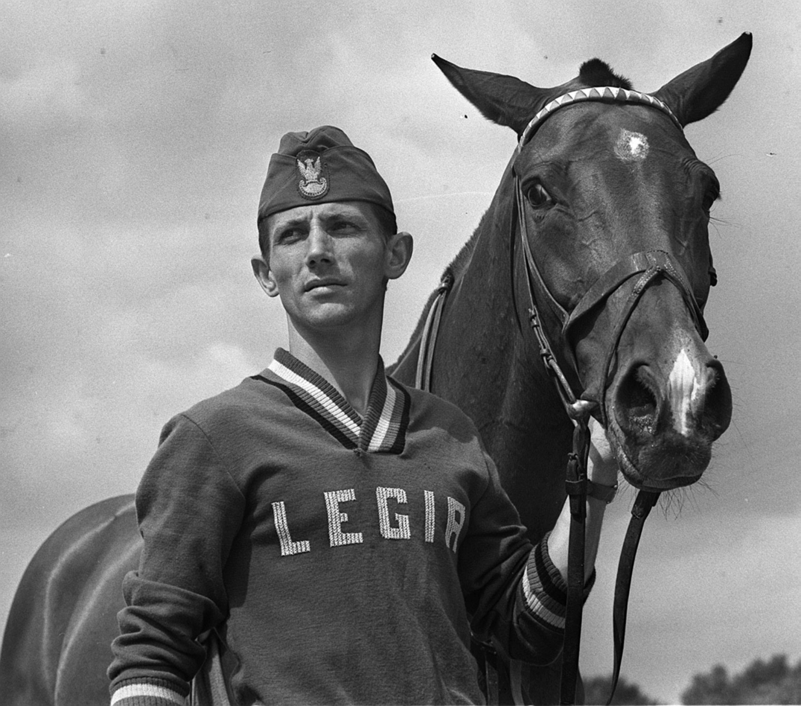 Zdjęcie archiwalne zawodnika wyścigów konnych fot. PAP/Zbigniew Matuszewski