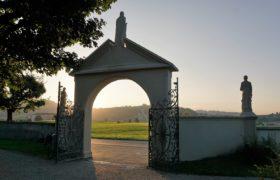 cmentarz brama