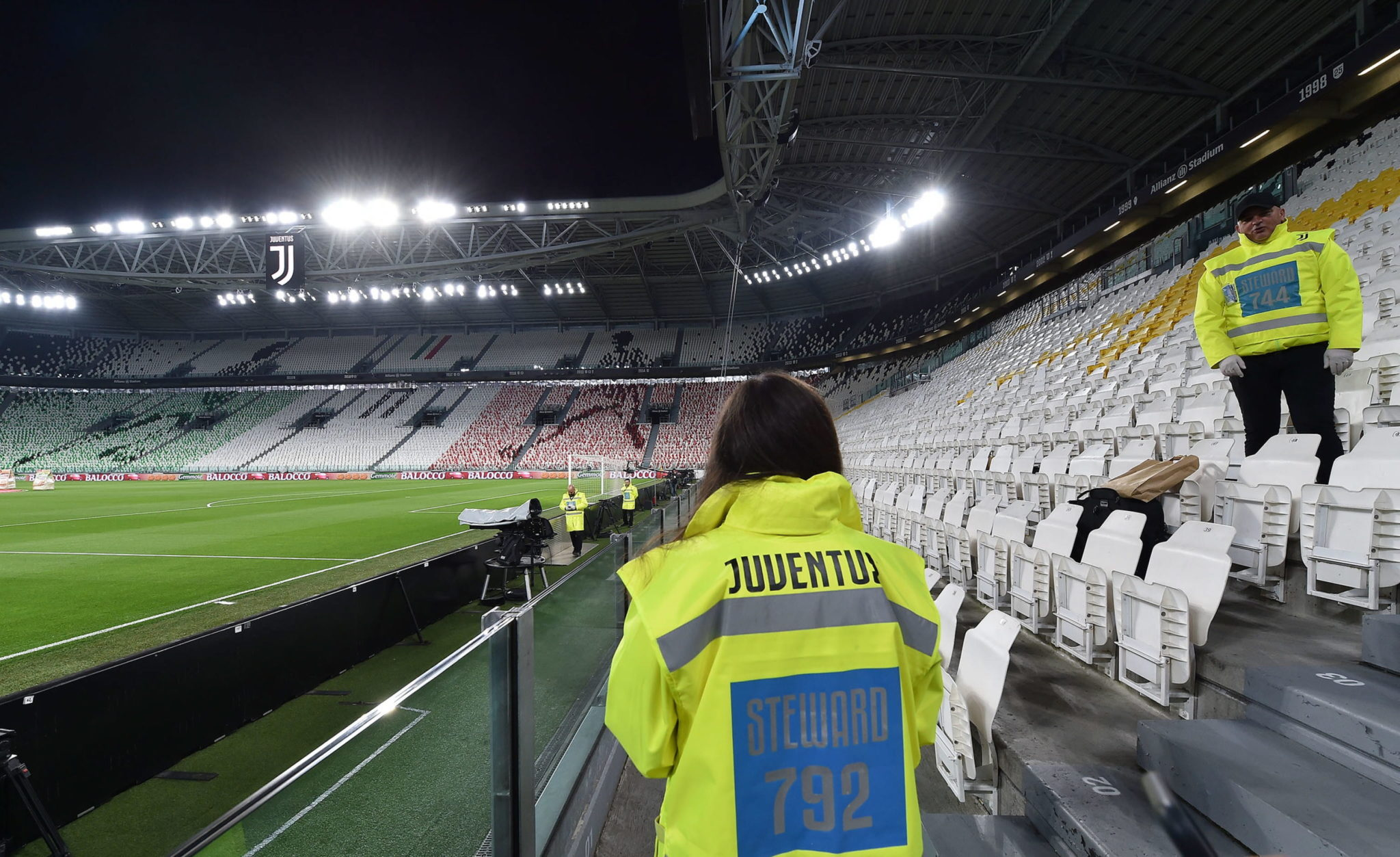Turyn: pusty stadion przed meczem włoski serii A Juventus FC kontra FC Internazionale Milano, fot. EPA/ALESSANDRO DI MARCO