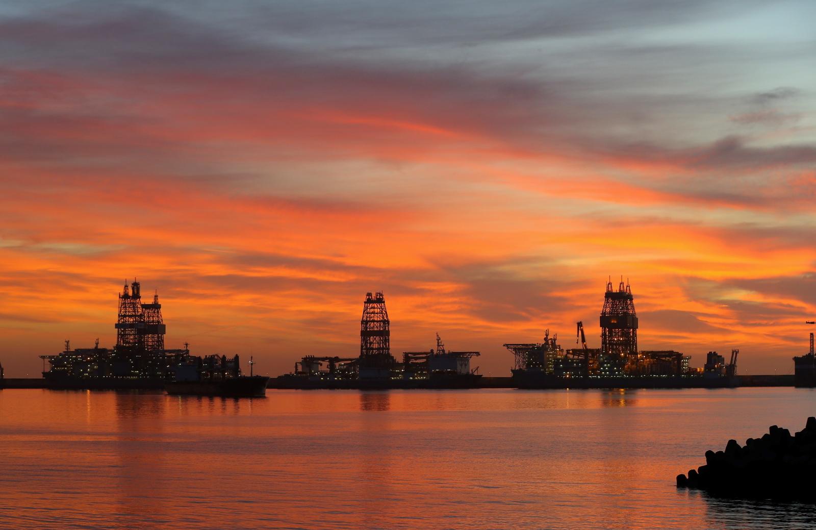 Wschód słońca na Kanarach fot.  EPA/Elvira Urquijo A.