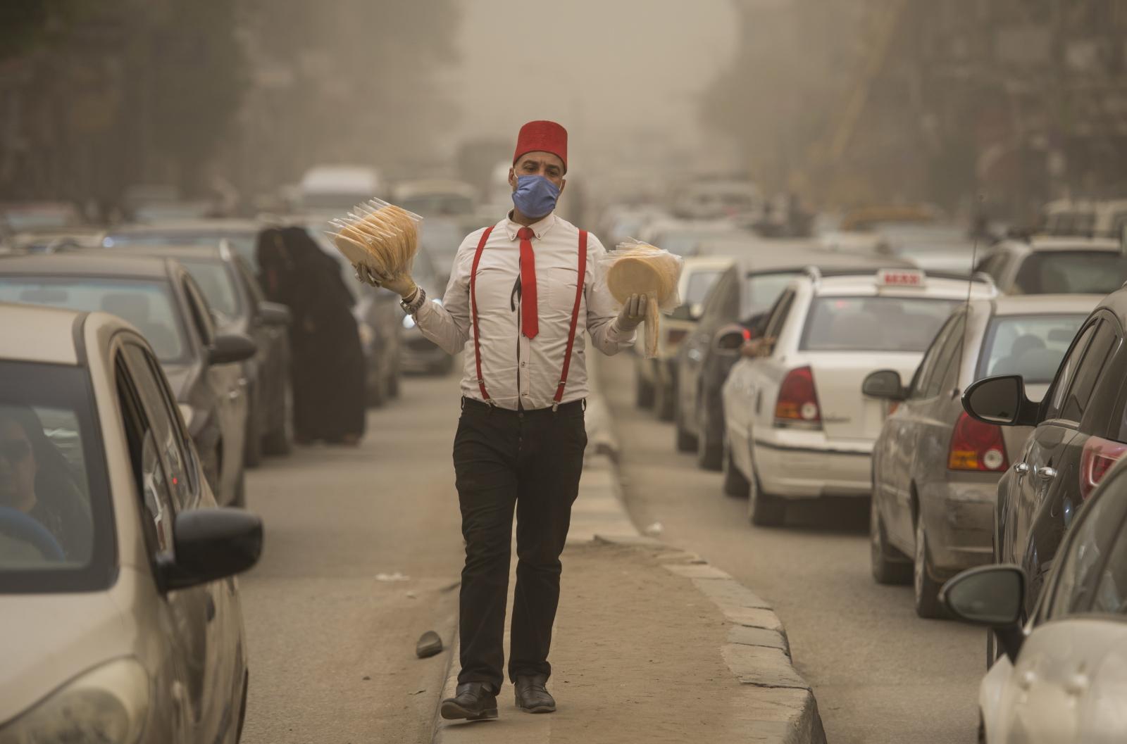 Burza piaskowa w Egipcie fot.   EPA/Mohamed Hossam