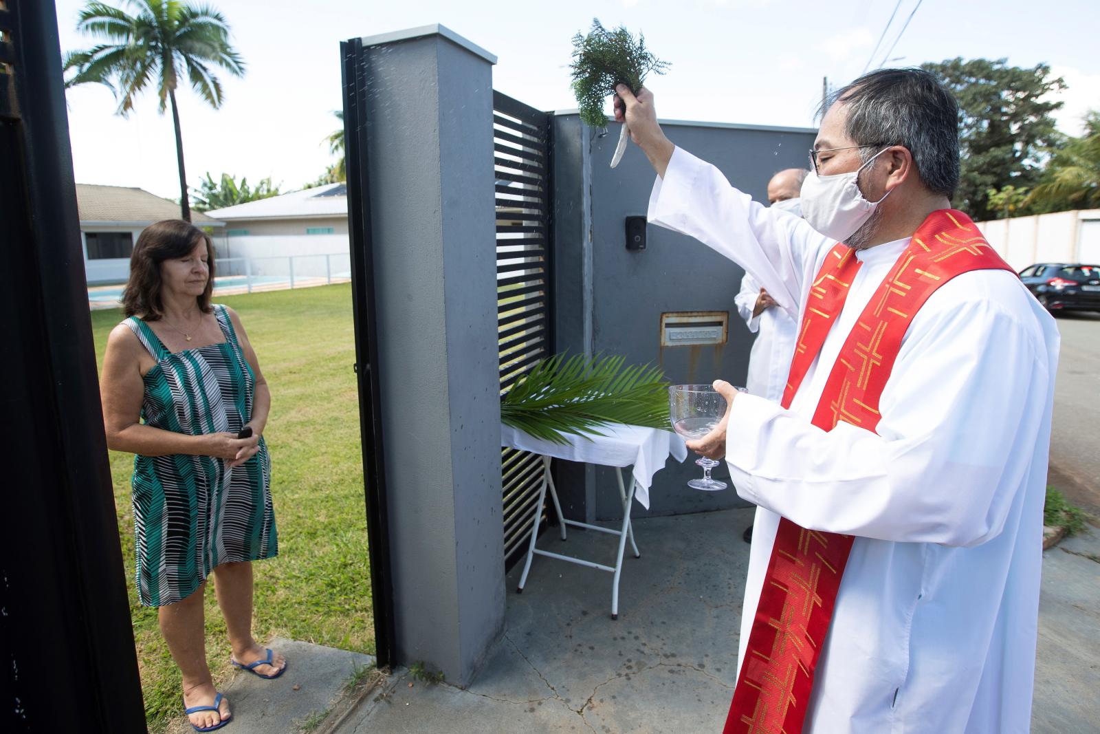 Niedziela palmowa w Brazylii fot. EPA/Joedson Alves