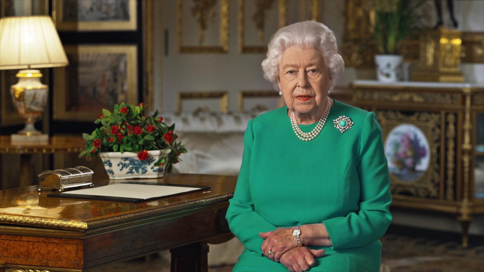 Przemówienie królowej Elżbiety fot. EPA/BUCKINGHAM PALACE