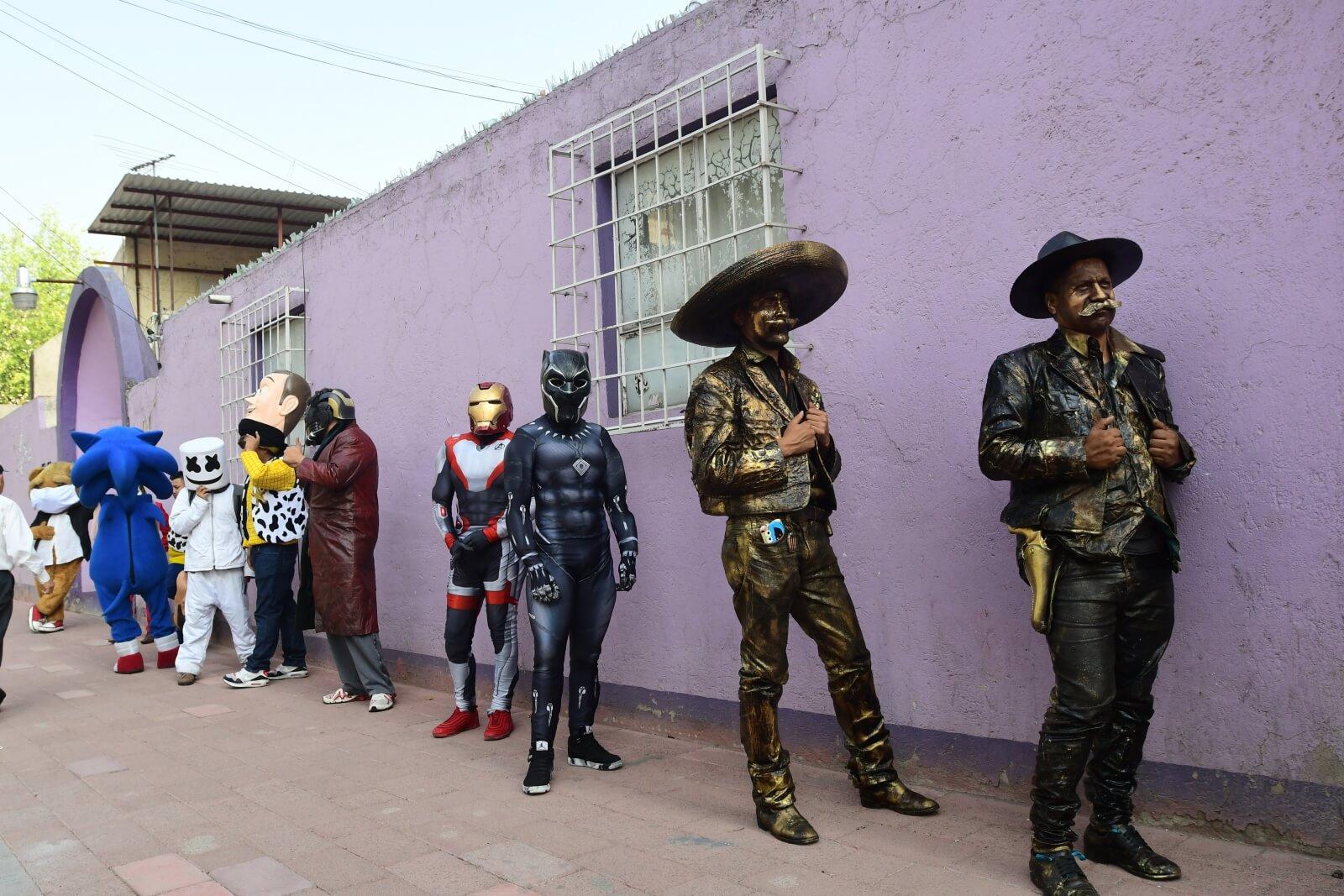 Artyści w Meksyku wspomagają walkę z koronawirusem fot. EPA/JORGE NUNEZ