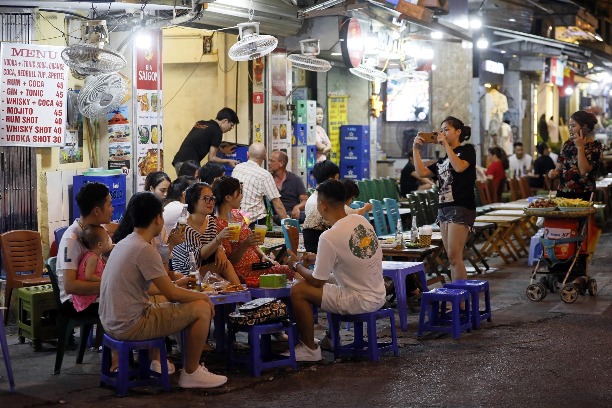 Wietnam otwiera się powoli na turystów. Fot. EPA/LUONG THAI LINH