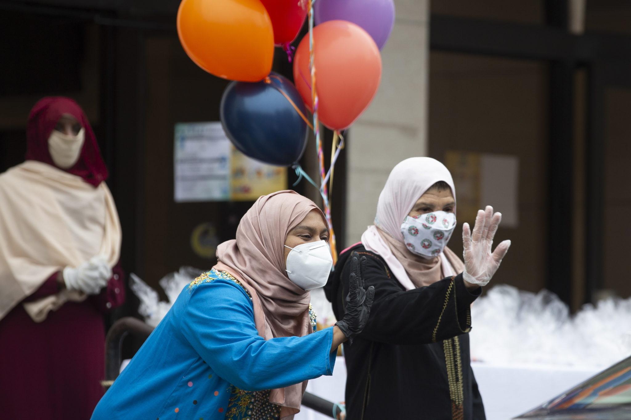 Muzułmanie na całym świecie obchodzą Eid al-Fitr, trzydniowe święto, które oznacza koniec muzułmańskiego świętego miesiąca postu - Ramadanu, fot. EPA/MICHAEL REYNOLDS