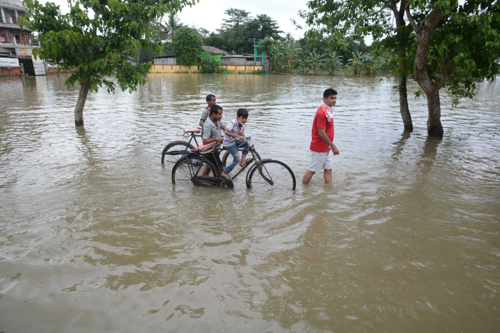 Powódź w Indiach  EPA/STR