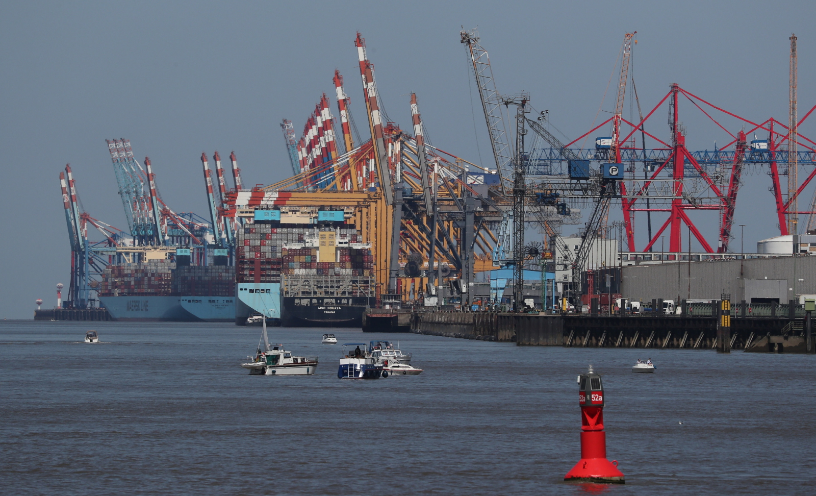 Port w Bremerhaven fot. EPA/FOCKE STRANGMANN