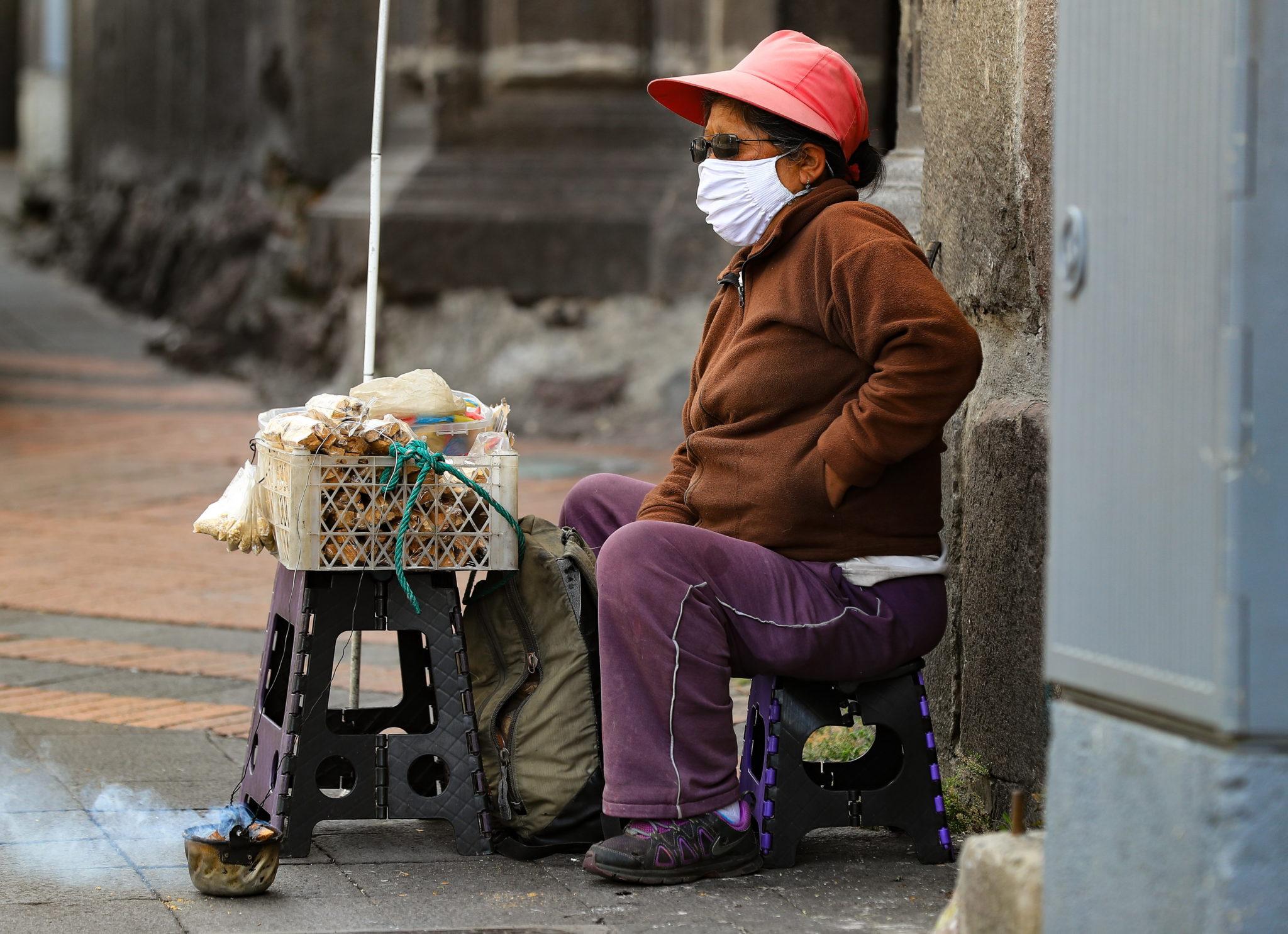 Quito, Ekwador: uliczna sprzedaż owoców i warzyw, fot. EPA / Jose Jacome