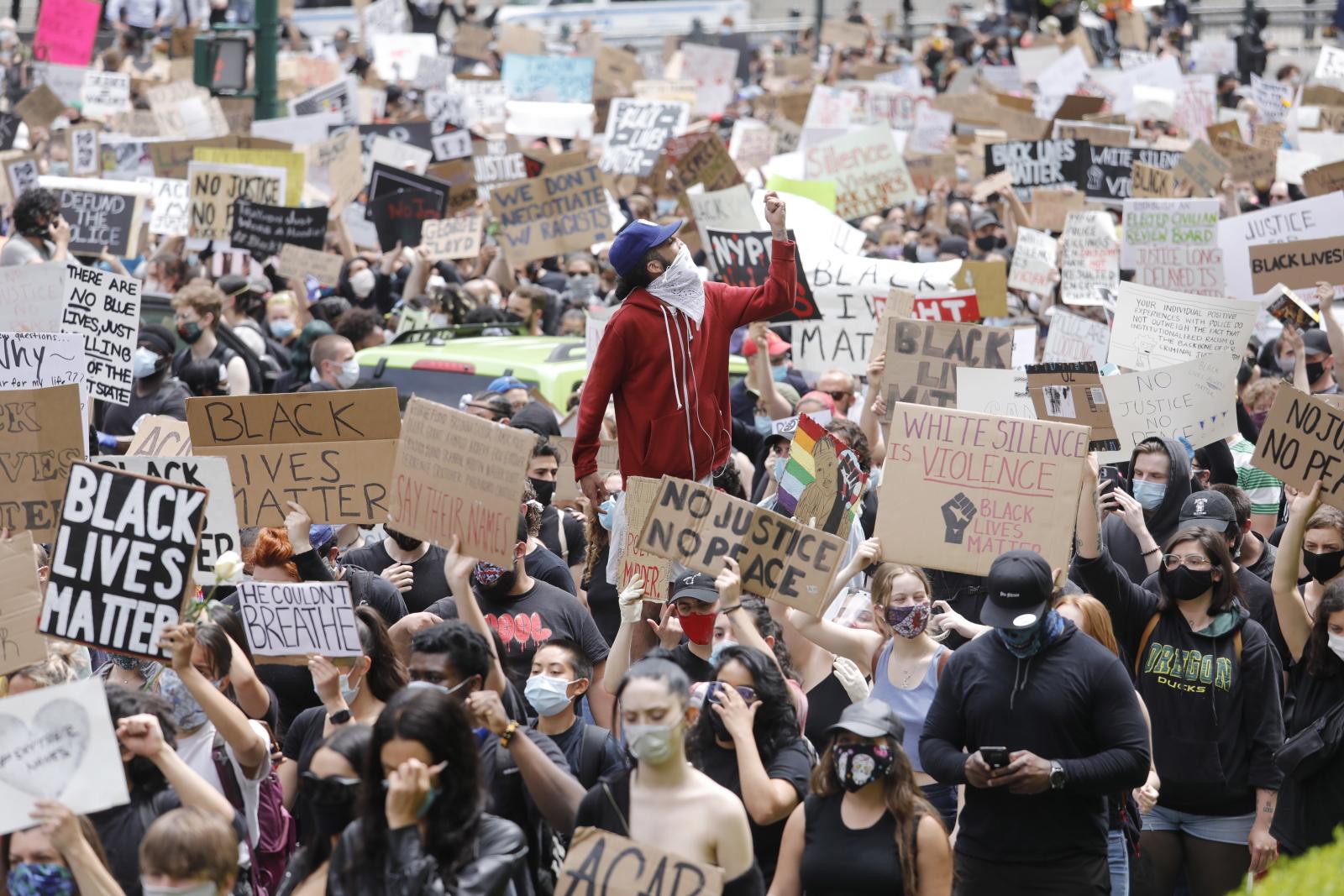 Protesty przeciwko dyskryminacji w USA trwają fot. EPA/JUSTIN LANE