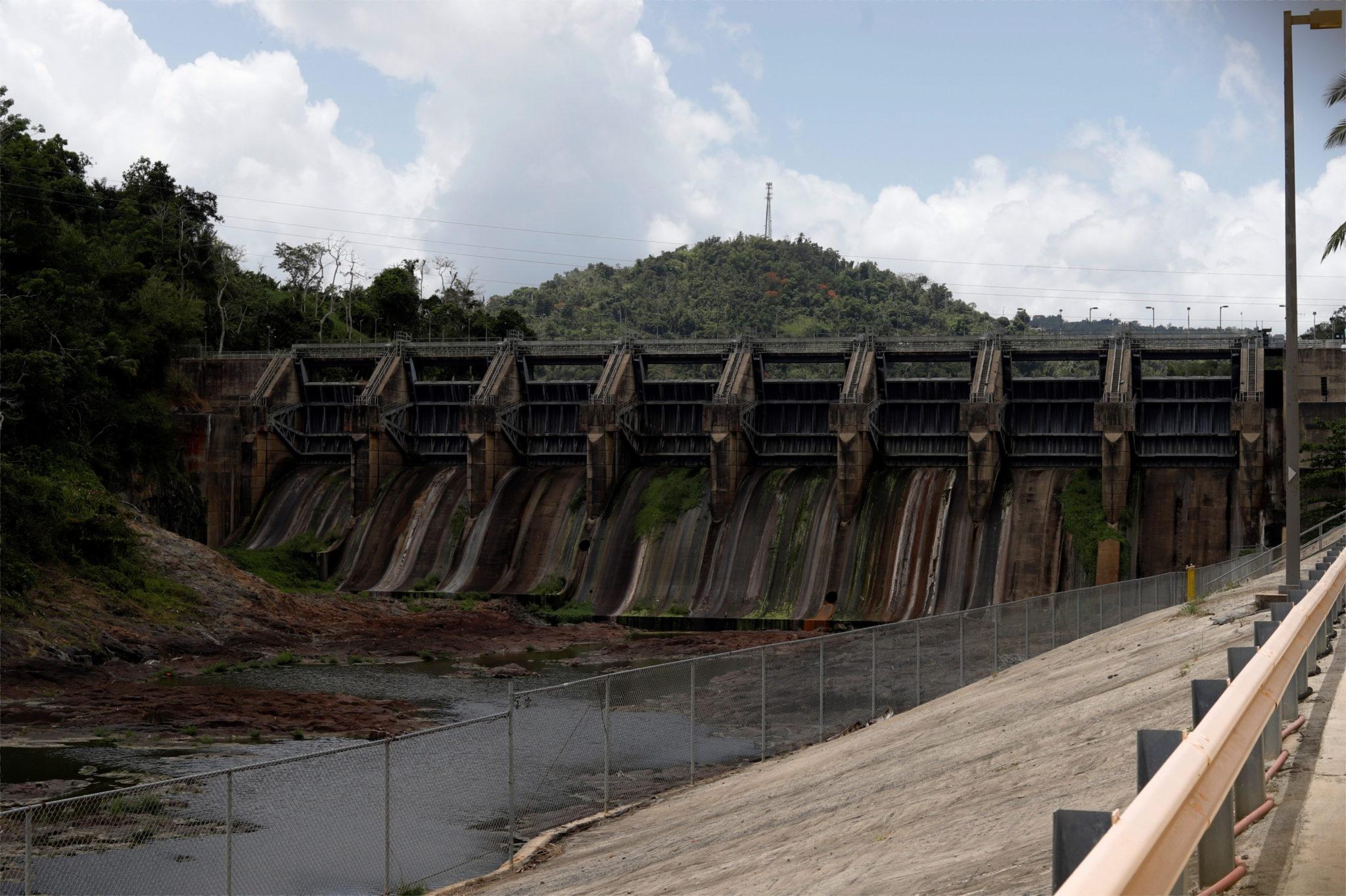 Zbiornik Carraízo bez wody w miejscowości Trujillo Alto, Puerto Rico z powodu suszy, fot. EPA / Thais Llorca